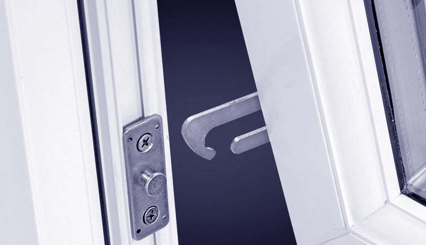 child restrictor hinges